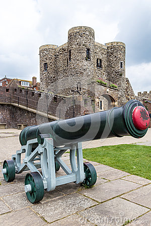 Free Old Canon Seen In Front Of The Medieval Castle In Rye, UK Royalty Free Stock Images - 42340289
