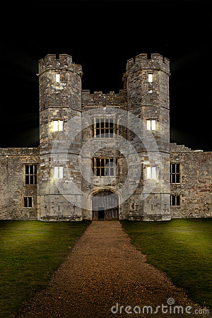 Free Old Castle At Night With Lights Shining Royalty Free Stock Images - 25507589