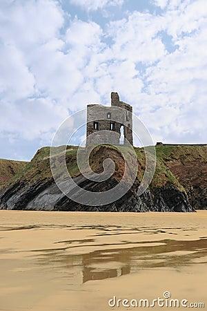 Old castle cliff ruin ballybunion