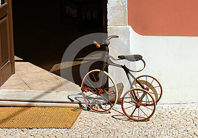 An old child's tricycle