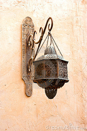 Free Old Classic Arab Lamp Royalty Free Stock Images - 1980519