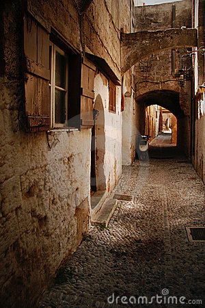 Free Old Cobbled Street Royalty Free Stock Photo - 1109085