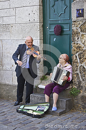 Happy Senior Couple Playing Music Editorial Stock Image