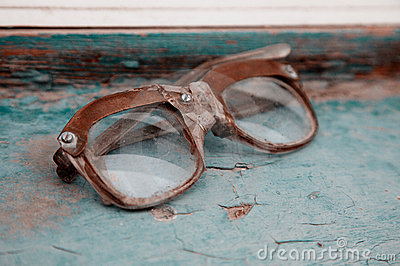 Old dirty  broken spectacles