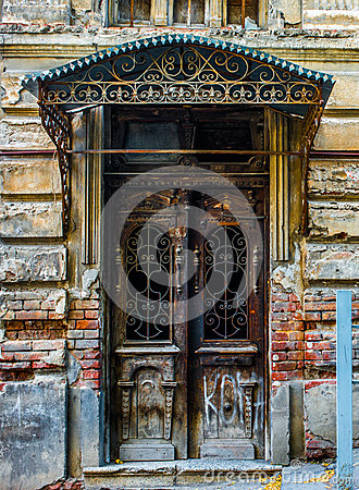 Free Old Door Royalty Free Stock Photos - 34595288