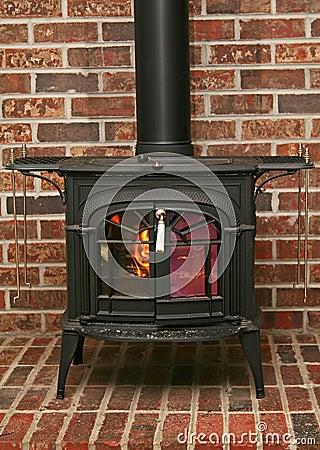 Free Old Fashioned Wood Burning Stove Stock Photo - 1316880