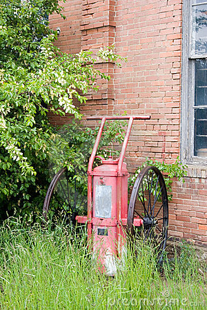 Free Old Fire Pump Royalty Free Stock Images - 343989