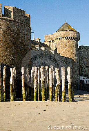 Free Old Fortress Wall And Wooden Stakes At Saint-Malo Royalty Free Stock Photography - 9691387