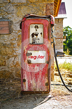 Free Old Gas Pump Stock Images - 59266674