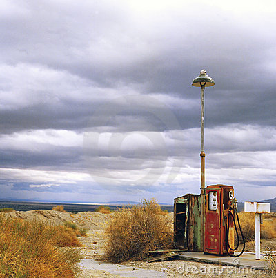 Free Old Gas Pump In Desert Stock Photo - 1997980