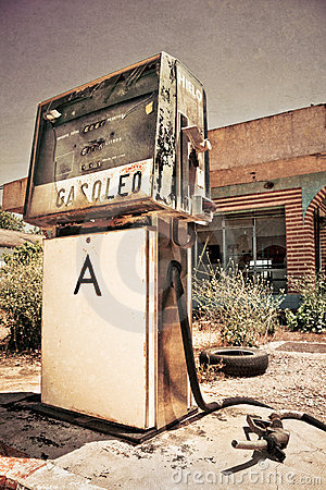 Free Old Gas Station Royalty Free Stock Photos - 20825308