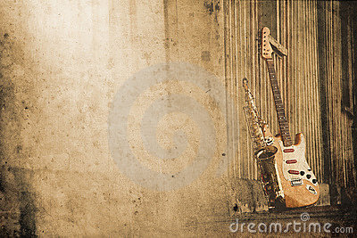 Old grungy sax with electric guitar