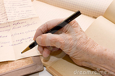 Old hand writes the letter