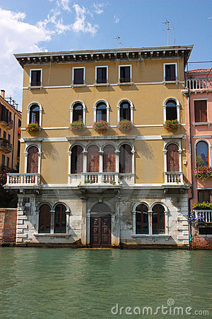 Old House On Venice Canal Stock Photos Image 16424883