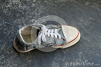Old jean sneaker