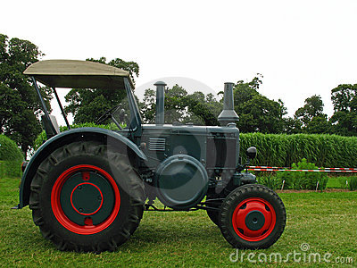 Old Lanz tractor