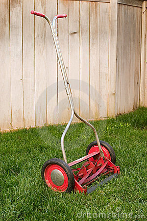 Free Old Lawnmower Royalty Free Stock Image - 1354776