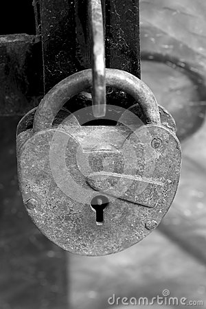 Free Old Lock Royalty Free Stock Photo - 61382805