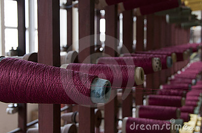 Old loom with cotton