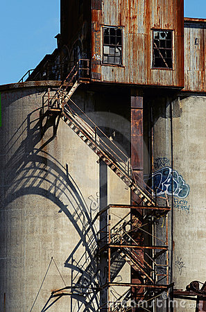 Free Old Malt Plant 12 Royalty Free Stock Images - 2573559