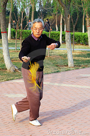 Free Old Man Play Taiji Sword Stock Photos - 4821463