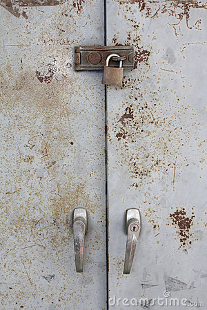 Free Old Metal Lock On The Grunge Door Royalty Free Stock Images - 21316399