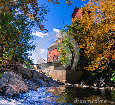 Free Old Mill With River Royalty Free Stock Photography - 61267677