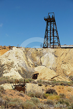 Free Old Mine Shaft Royalty Free Stock Image - 24564236