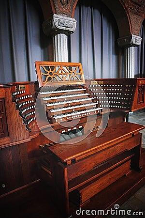 Free Old Organ Royalty Free Stock Image - 18867156