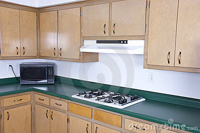 Old Outdated Kitchen Cabinets Needs Remodeling