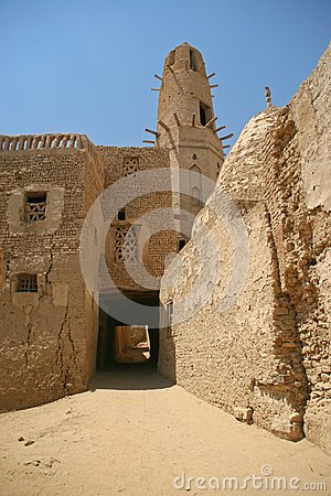 Free Old Part (citadel) Of Desert Town Mut In Dakhla Oazis In Egypt, People Still Live Here Royalty Free Stock Image - 39635336