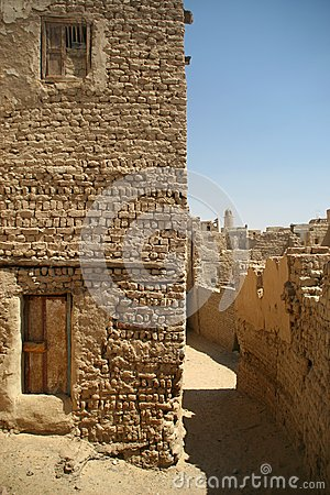Free Old Part (citadel) Of Desert Town Mut In Dakhla Oazis In Egypt, People Still Live Here Stock Photos - 39635343
