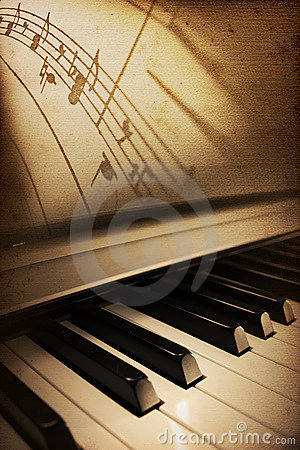 Free Old Piano Elegance Stock Photo - 7323330