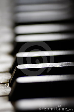 Free Old Piano Keys Close Up Stock Images - 15018594