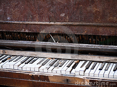 Old Piano in need of repair