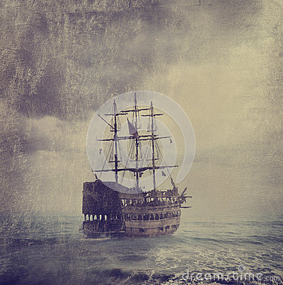 Free Old Pirate Ship Royalty Free Stock Images - 32589749