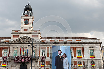 Old post office madrid editorial image image 51448550 for Casa de correos madrid