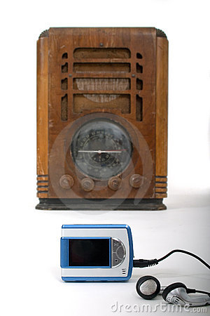 Free Old Radio New MP3 Player 1 Royalty Free Stock Images - 1091479