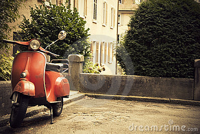 Old Red Classic Scooter