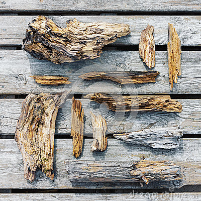 Free Old Rotten Wooden Pieces And Fragments Royalty Free Stock Image - 98460756