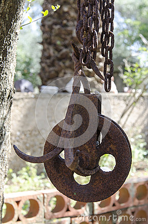 The old rusty pulley