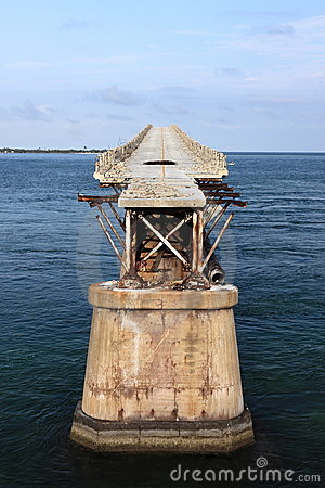 Free Old Seven Mile Bridge In Florida Keys Stock Image - 15010811