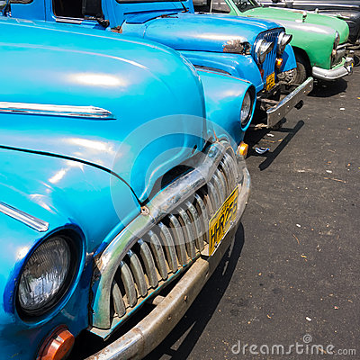 Old shabby american cars in Cuba Editorial Stock Image