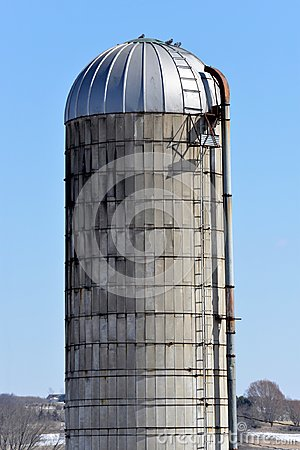 Free Old Silo In Southern Wisconsin Stock Images - 111890374