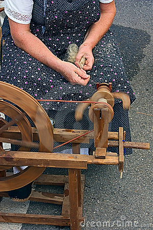 Free Old Spinning Wheel Stock Photography - 20086032