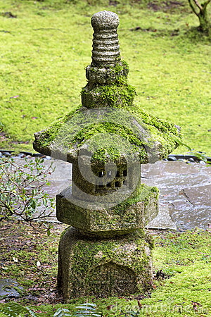 Free Old Stone Lantern At Japanese Garden Stock Photo - 68242780