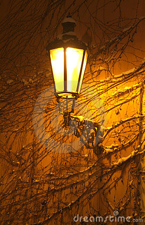Free Old Street Lamp On A Wall Stock Images - 7255654
