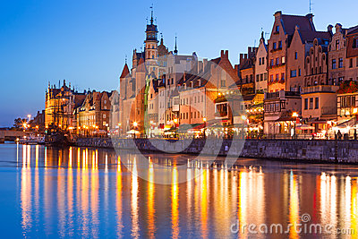 Old town of Gdansk at night