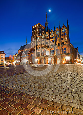 Free Old Town Hall And St. Nicolas Church In The Evening, Stralsund Royalty Free Stock Images - 54398189