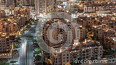 The Old Town residential housing aerial tijdpap in Downtown Dubai, Verenigde Arabische Emiraten stock footage
